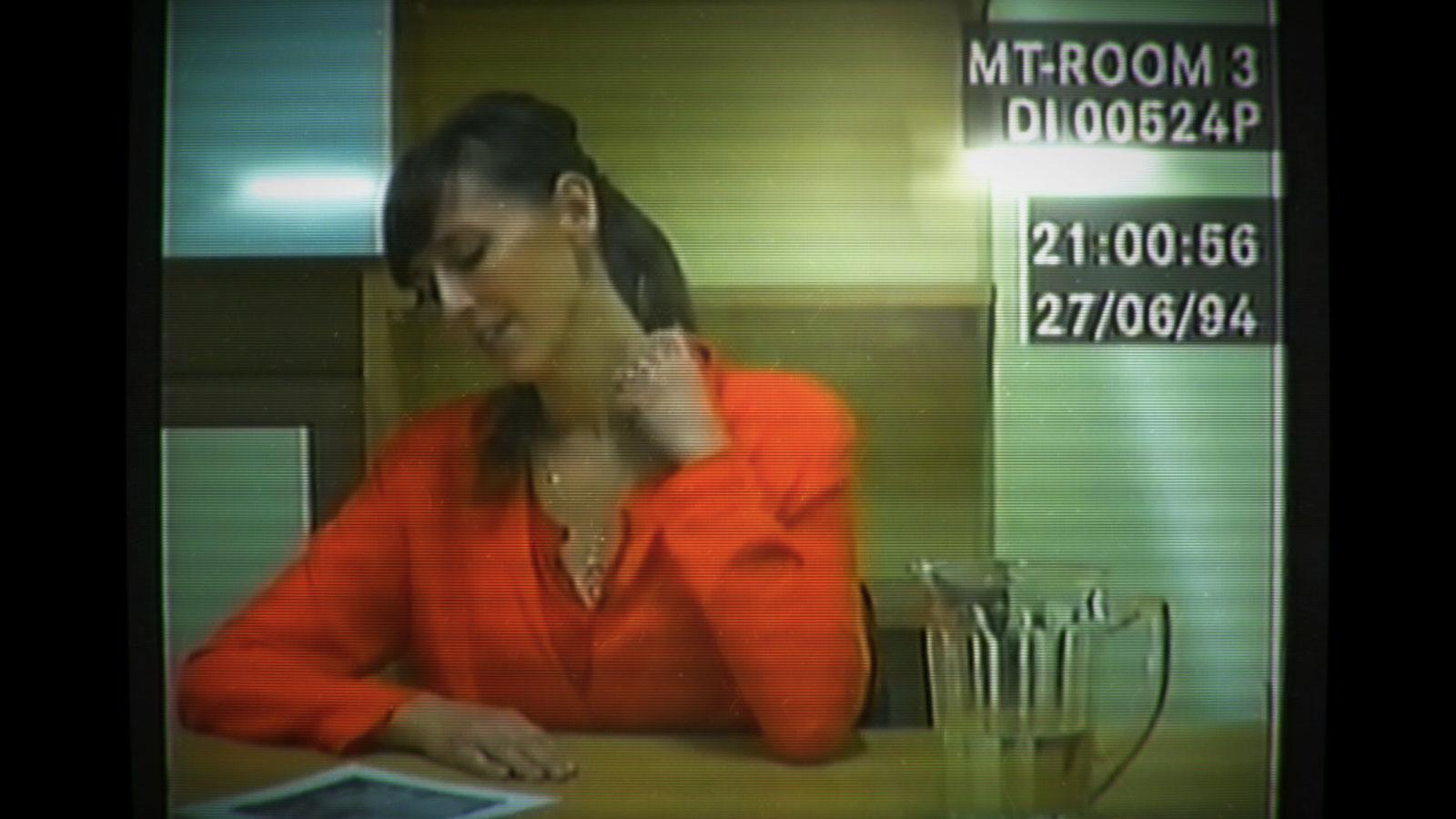 Her story детектив на допросе